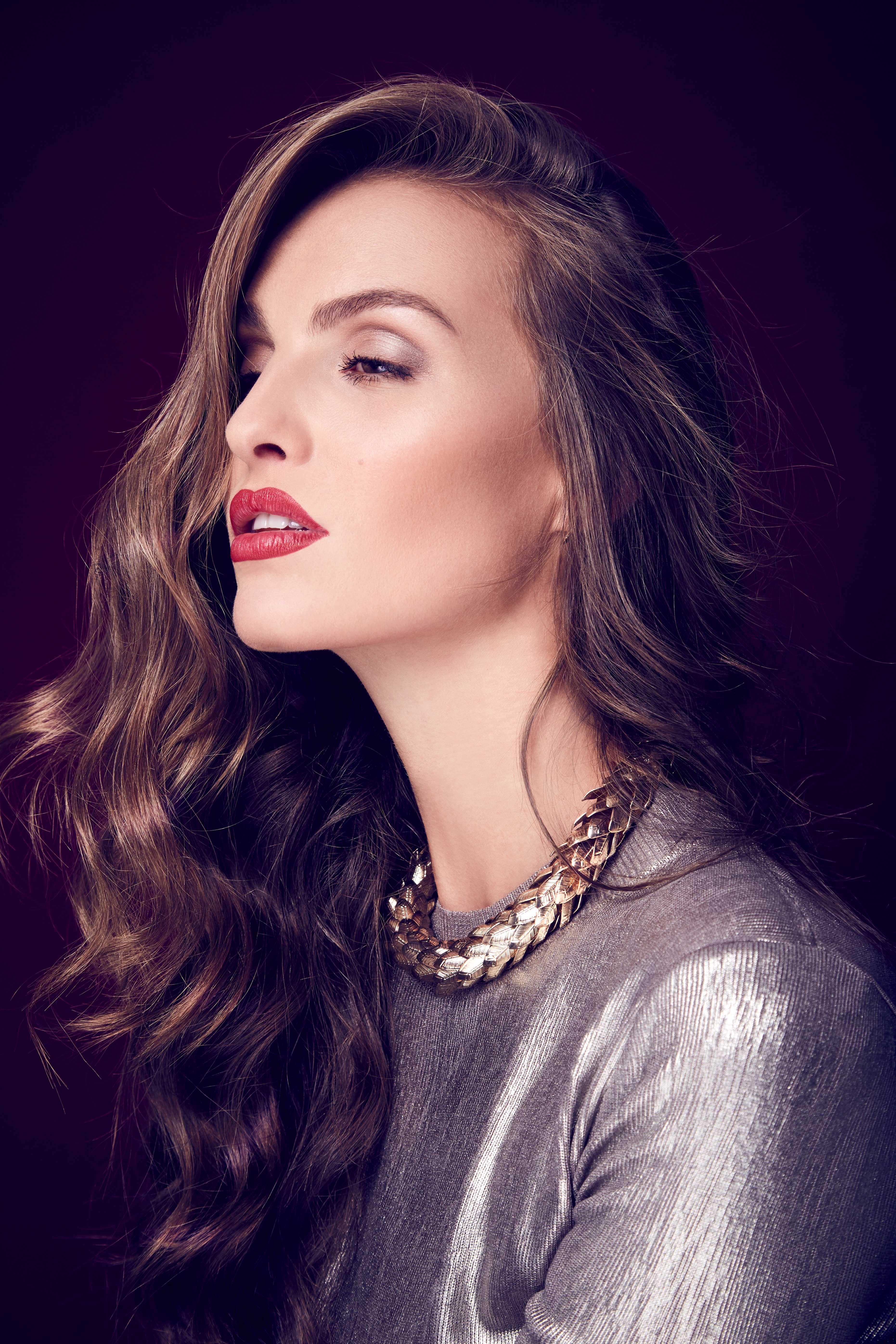 Sophie_Nickel_Beauty_05-0458+sRGB_web